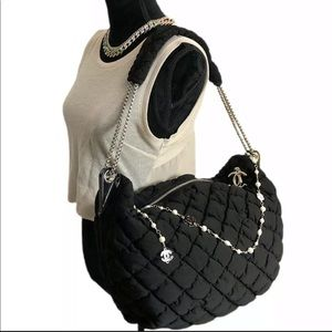 Chanel Auth '09 CC Charm Quilted Bubble Chain Bag